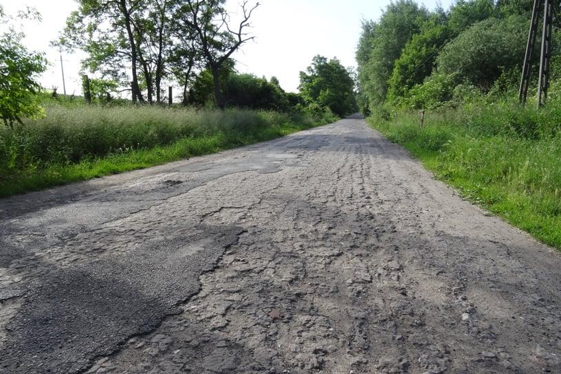 Nad Jezioro Pamiątkowskie dojedziemy nową drogą