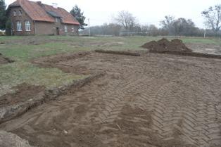 Początek budowy placu zabaw