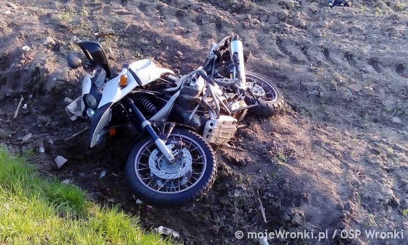 Biezdrowo: Dwie osoby w szpitalu po zderzeniu motocykla z osobówką