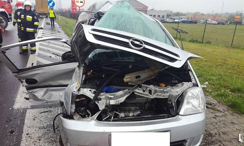 Pniewy: Zderzenie ciężarówki z samochodem osobowym