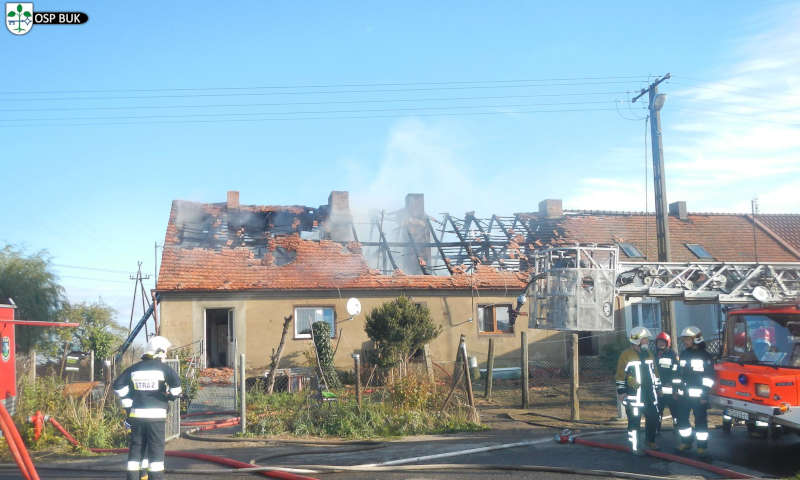 Pożar w gminie Duszniki. 13 zastępów strażaków walczyło z ogniem w budynku mieszkalnym