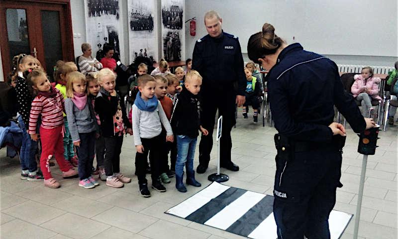 Przedszkolaki z Baborowa odwiedziły policjantów