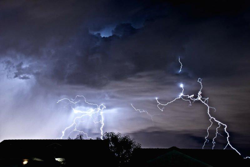 Ostrzeżenie II stopnia przed silnym deszczem z burzami
