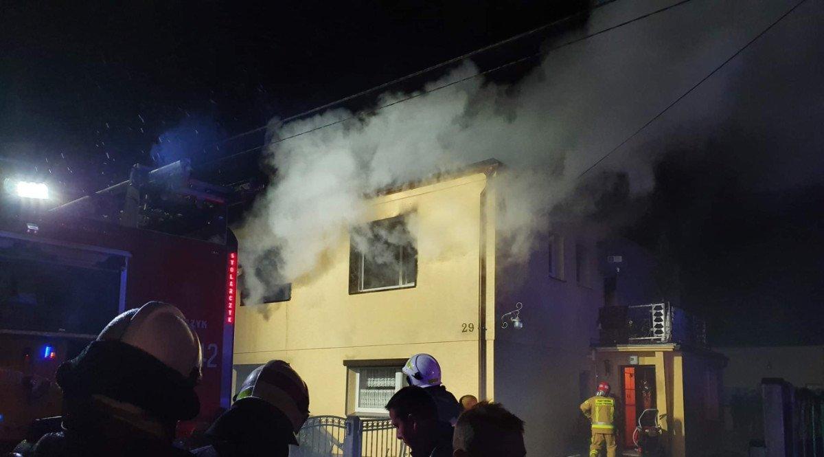 Nocny pożar domu w Kluczewie