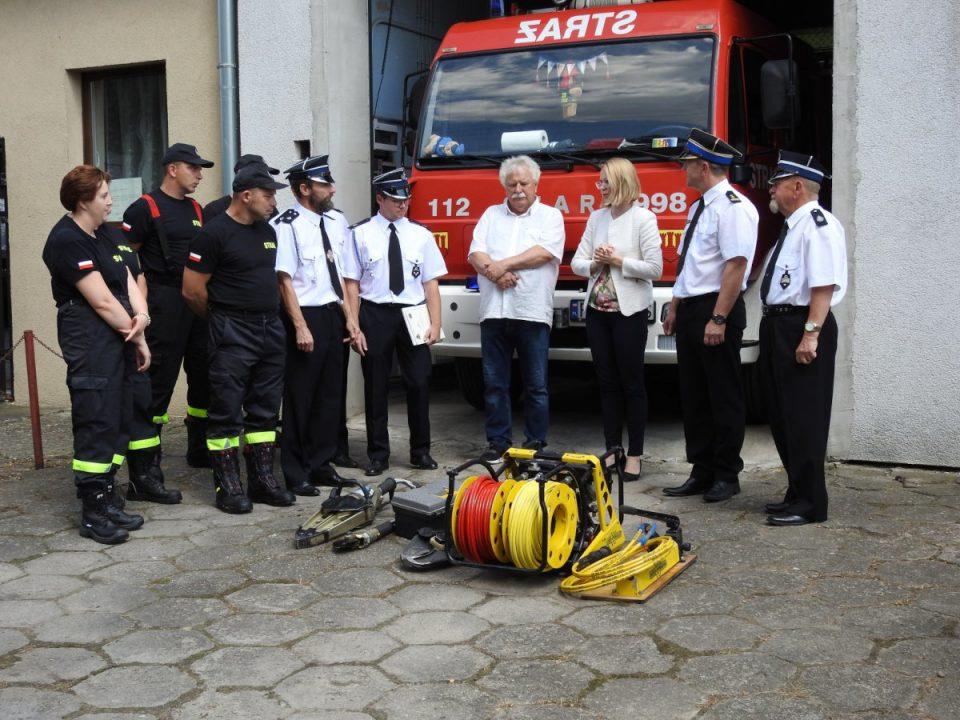 Strażacy z Bytynia otrzymali nowy sprzęt ratowniczy