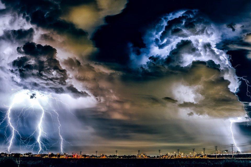 Ostrzeżenie II stopnia przed burzami z gradem